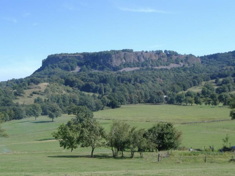 Table basaltique de Chastel Marlhac,  Crédits : BBT