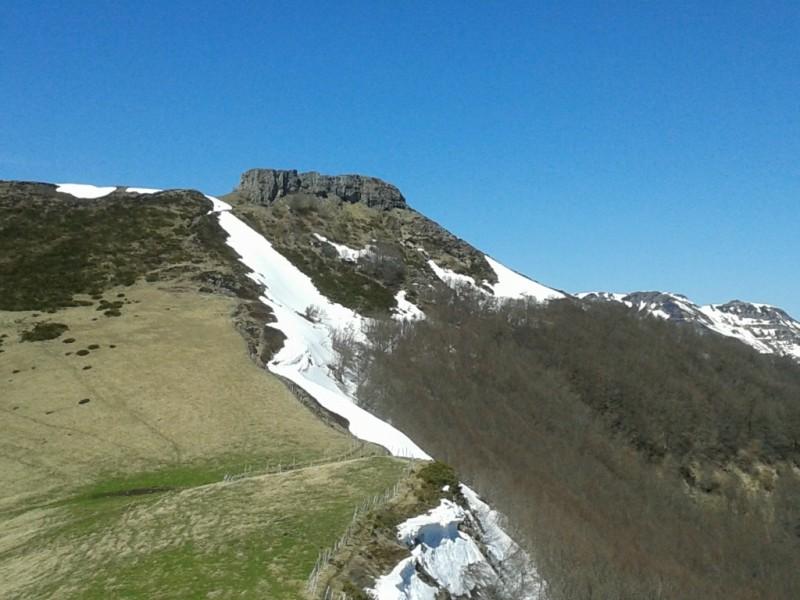 L'Élancèze (1571 mètres),  Crédits : CD15-BBT